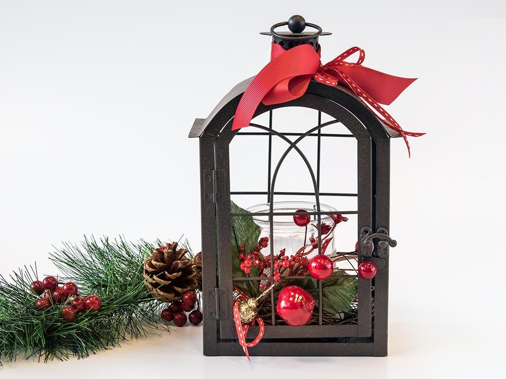 Φανάρι με χριστουγεννιάτικη διακόσμηση